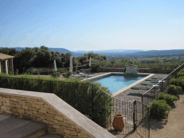 provence-villa in gordes-pool