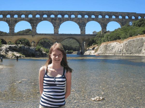 france-provence-girl at pont du gard