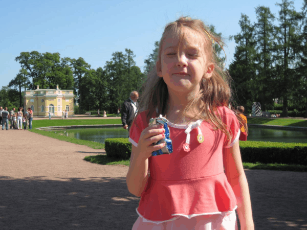 russia-eating ice cream at catherine's palace