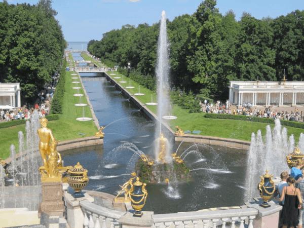 russia-peterhof palace-gardens