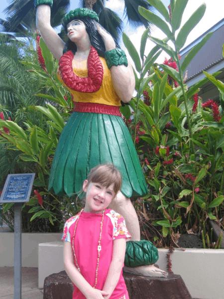 hawaii-maui-girl in lahaina