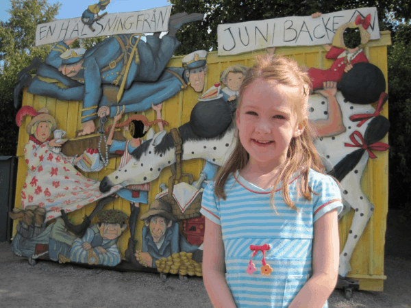 sweden-stockholm-girl outside junibacken
