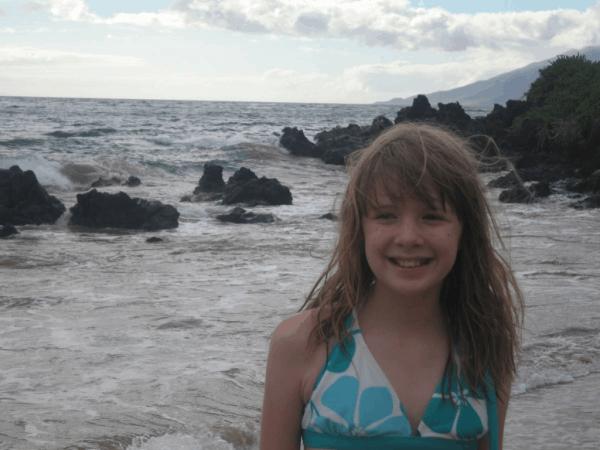 hawaii-maui-fairmont kea lani-girl on beach