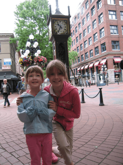 vancouver-gastown-at steam clock