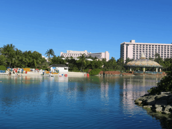 Bahamas-Atlantis-lagoon