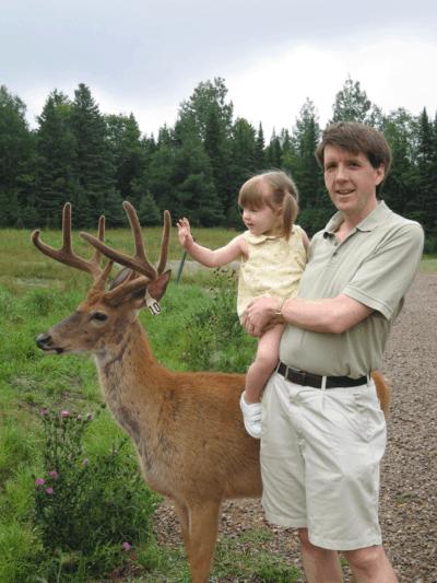 montebello-omega park-meeting deer