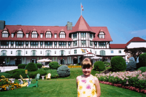 new brunswick-st. andrews-girl outside algonquin