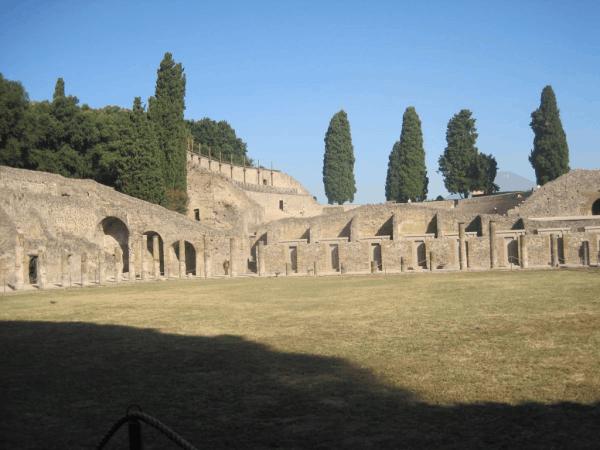 Italy-tour of Pompeii