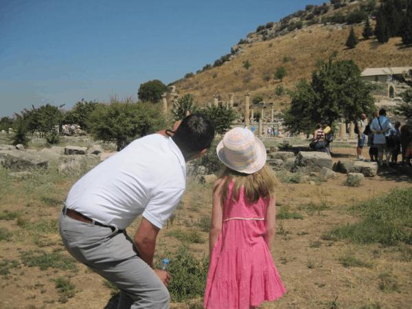 turkey-kusadasi-arriving at Ephesus
