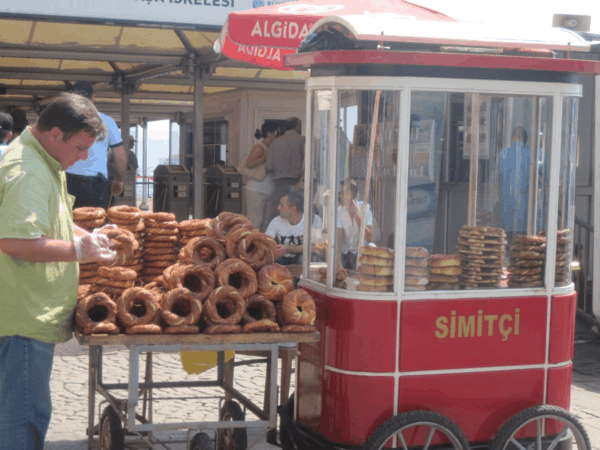 Turkey-Simitci cart in Istanbul