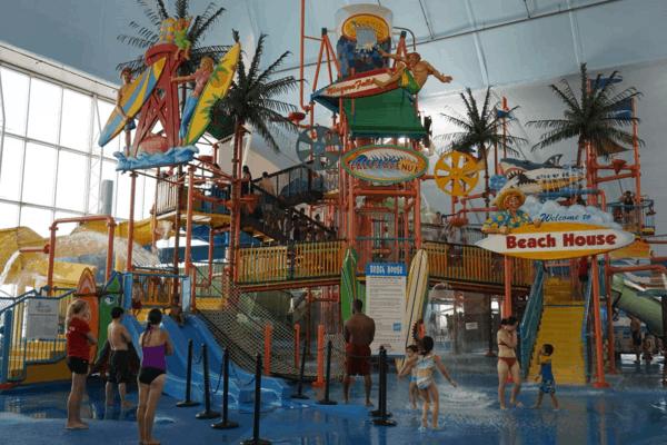 Niagara Falls-Fallsview Indoor Water park-Beach House aqua play