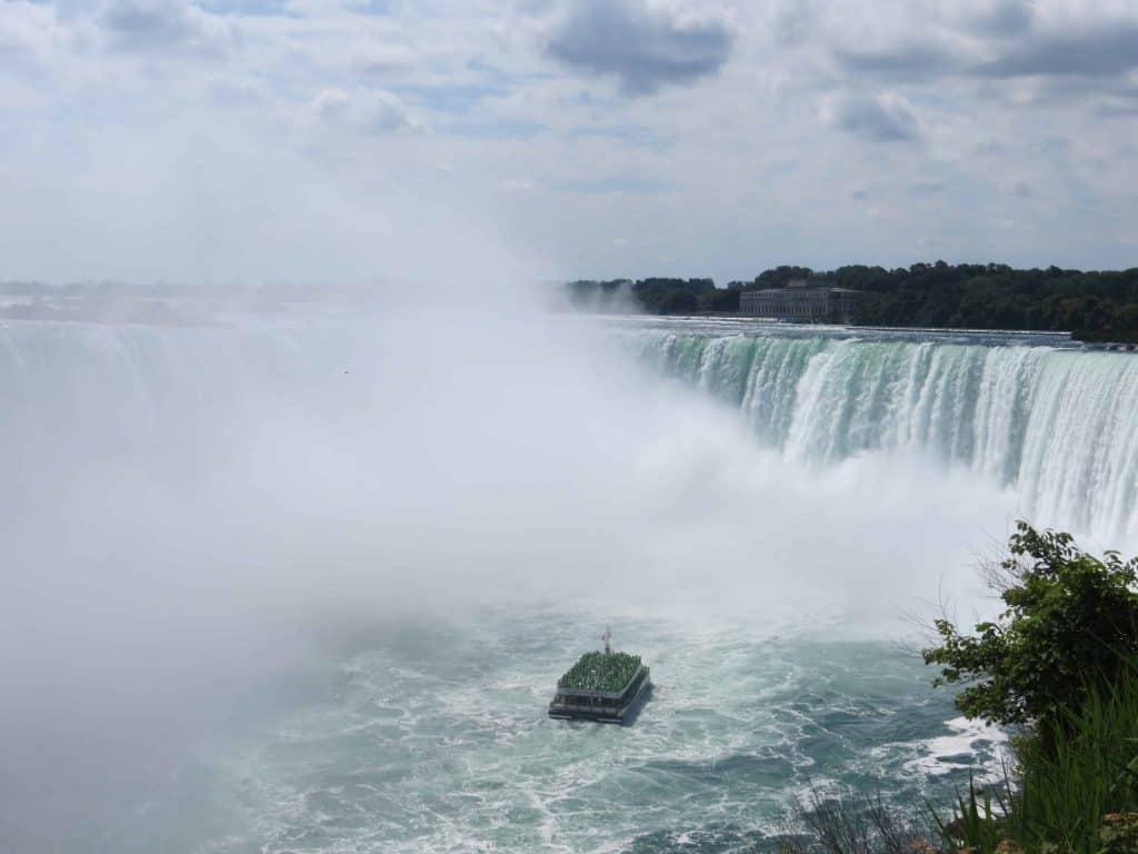 Niagara Falls Canada-Horseshoe Falls-Hornblower Cruises