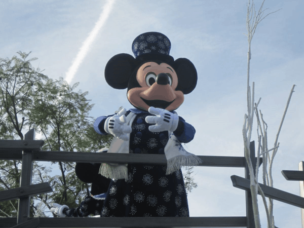 Disneyland Holiday Parade - Mickey (1)
