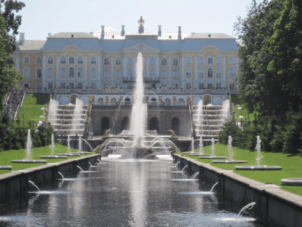 russia-st. petersburg-peterhof palace