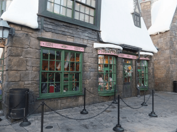 Orlando-WWOHP-Honeydukes Sweet Shop