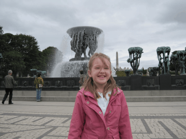 Norway-Oslo-in front of fountain-Vigeland Park