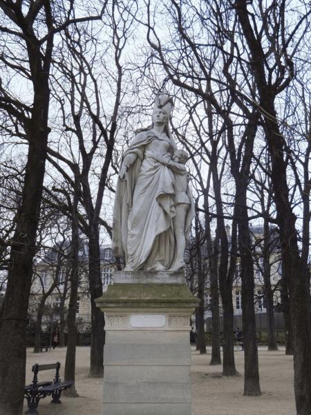Paris-statue in Luxembourg Gardens