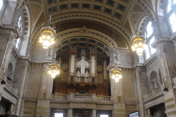 Scotland-Glasgow-Kelvingrove Museum