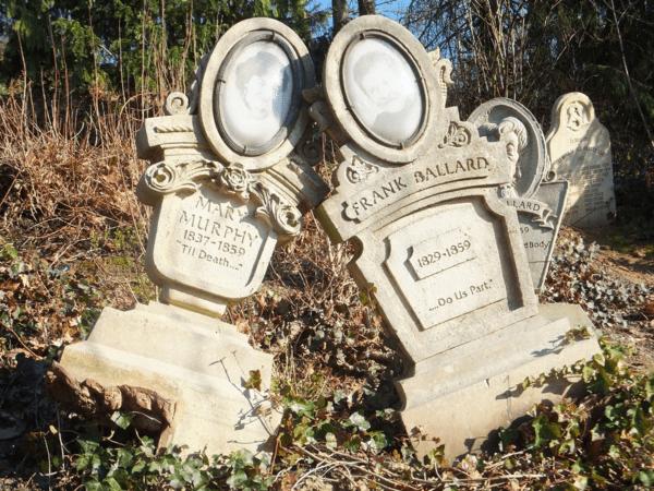 Disneyland Paris-Phantom Manor - Tombstone