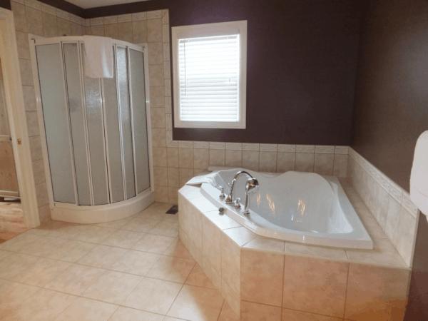 Newfoundland-Terra Nova Resort-Master Bathroom