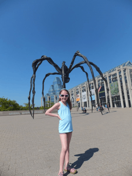 canada-ottawa-national gallery-maman sculpture