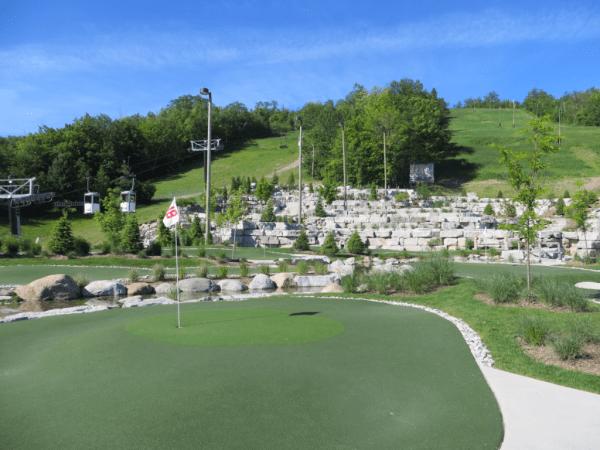 Collingwood-Blue Mountain Resort-Cascades Putting Course