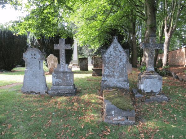 Stratford-upon-Avon-Holy Trinity Church graveyeard