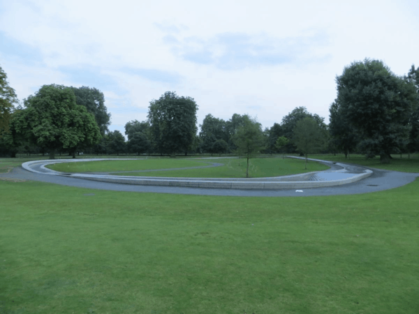 London-Kensington Gardens - Diana Memorial Fountain