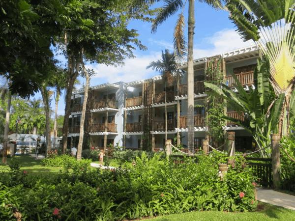 Beaches-Negril-buildings