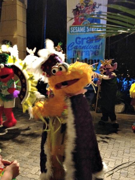 Beaches-Negril-Carnival-Parade-Zoe