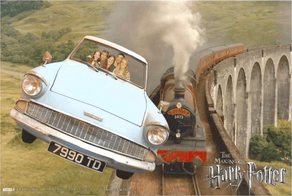 WB-Studio-Tour-Harry_Potter-family-flying-car