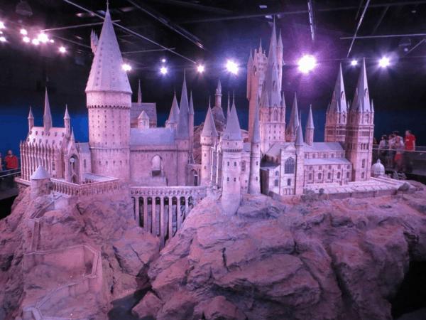 Warner-Bros-Studio-Tour-Hogwarts-Model-day