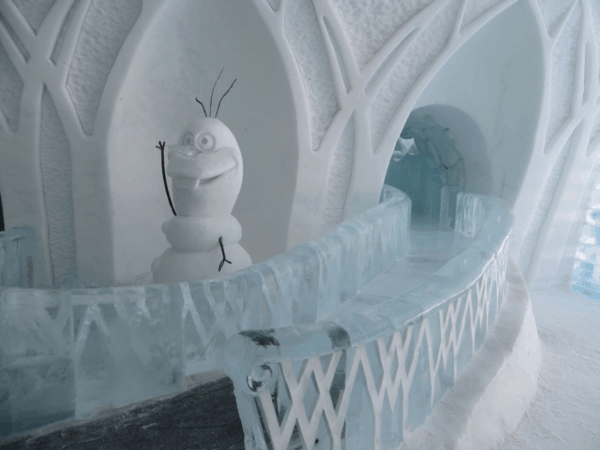 Quebec-Ice Hotel-Disney-Frozen-slide