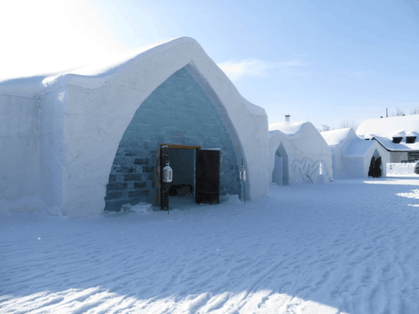 Quebec-Ice Hotel-exterior view