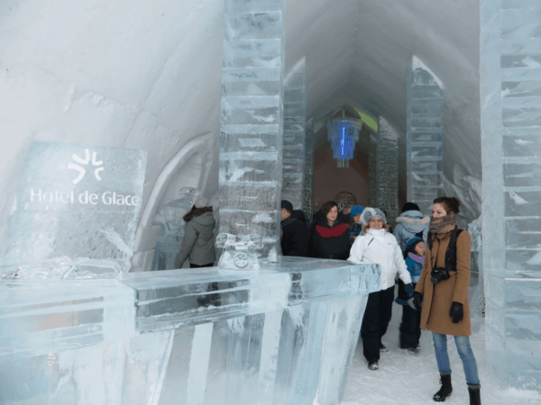 Quebec-Ice Hotel-entering Great Hall