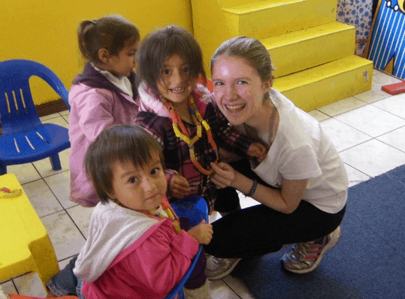 Ecuador-Quito-Katie-at-daycare-with-girls