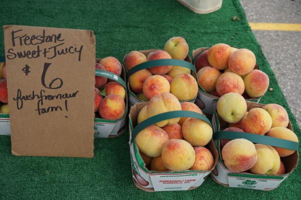 St. jacobs farmers market-fresh peaches