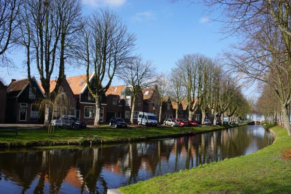 Netherlands-edam-canals