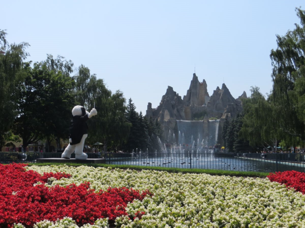 Canada's wonderland-snoopy's symphony of water