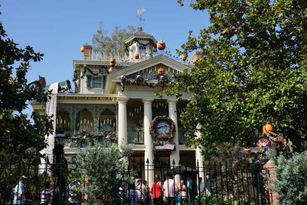 Disneyland-haunted mansion-halloween-nightmare before christmas