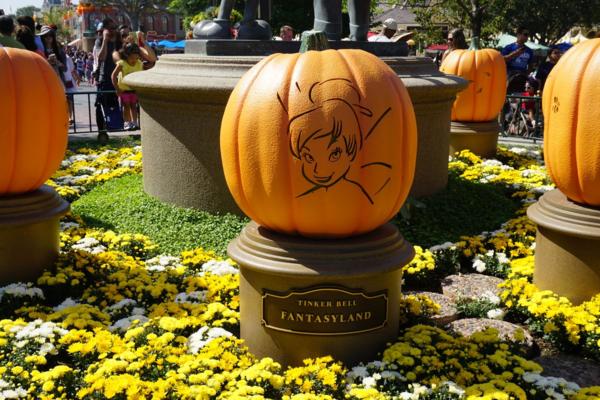 Disneyland-halloween-tinker bell pumpkin