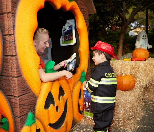 Legoland California-Halloween-BrickorTreat2015C-Halloween Trail