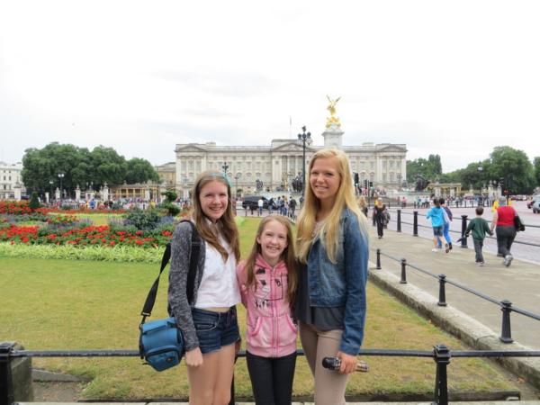 London-family at buckingham palace