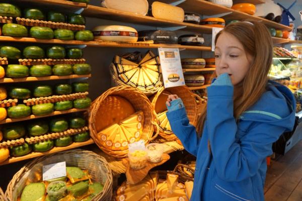 Amsterdam cheese museum-sampling cheese