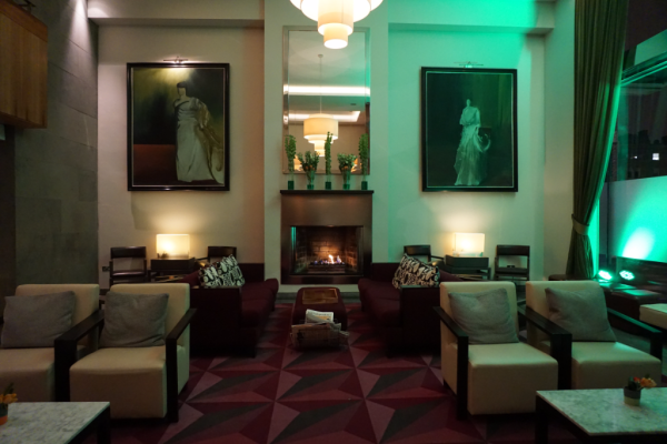 Ireland-fitzwilliam hotel dublin-lobby seating area