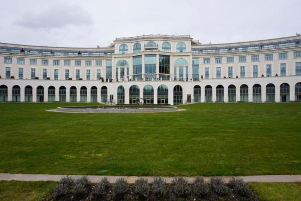 Ireland-powerscourt hotel-exterior