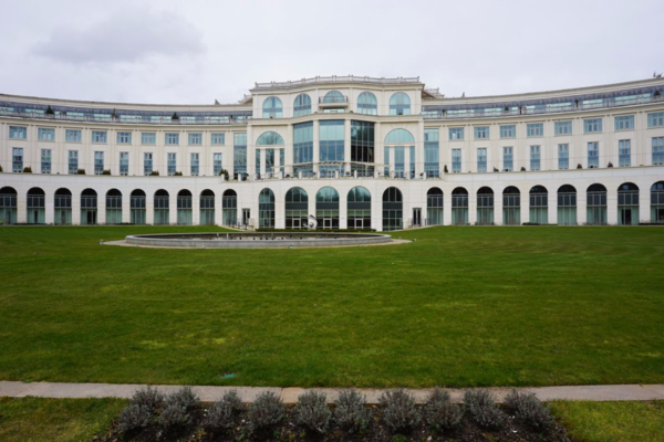Ireland-powerscourt hotel-exterior