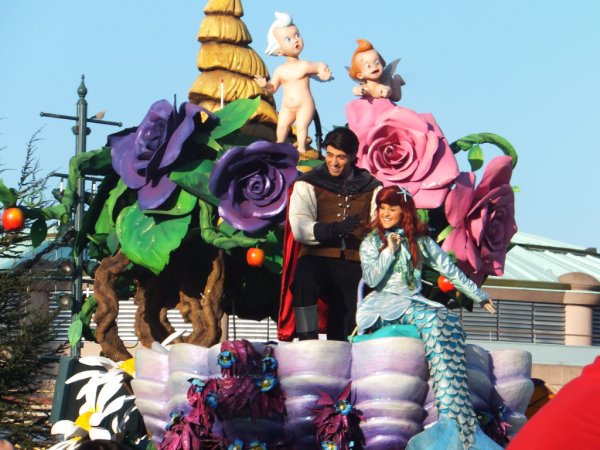 Disneyland paris-parade-ariel and eric