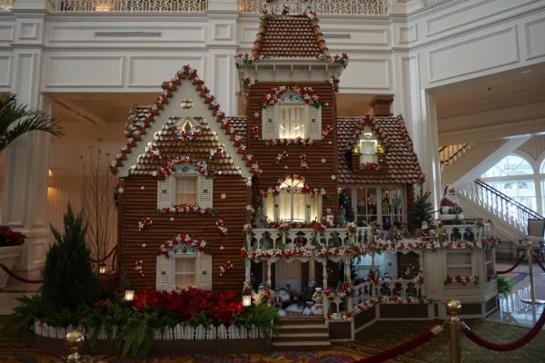 Disney world-grand floridian-gingerbread house