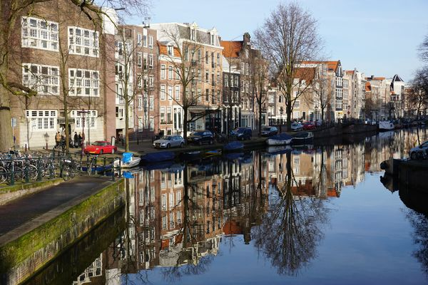 Netherlands-amsterdam-canal-reflections